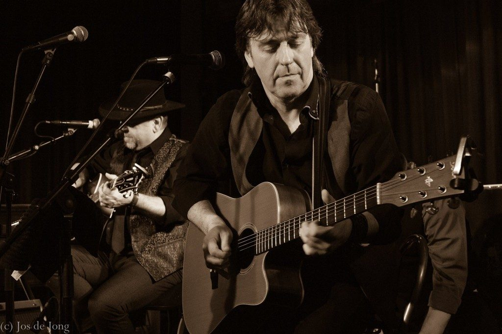 Ramblin' Dog, acoustic bluesband with The Detonics, photo: Jos de Jong